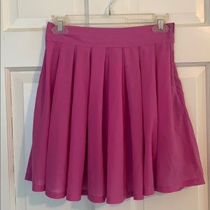 Short flowy hot pink skirt